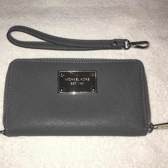 Michael Kors Handbags - MICHAEL KORS ZIP Around Phone Wallet